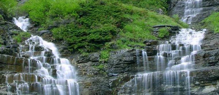 water falls-in-glacier